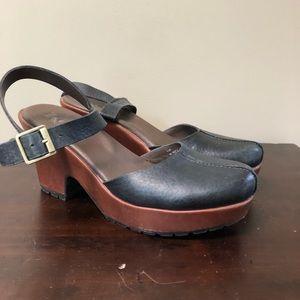 Korks By Kork Ease Wedge Sandal Closed-Toe Leather